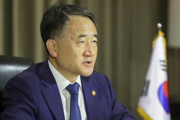 韩保健福祉部长官:新冠疫情危机继续 应尽早开发疫苗和公平分配