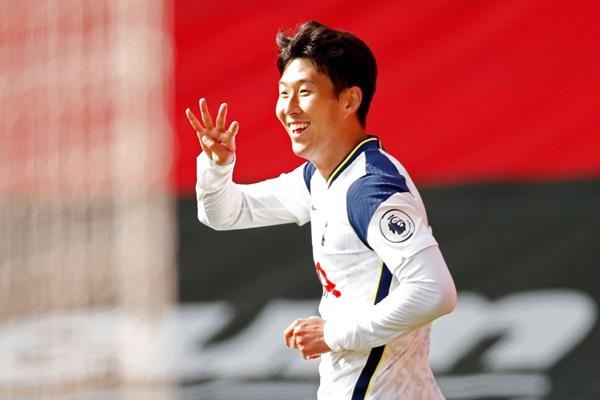 Pemain Sepakbola Korsel, Son Heung-min Catat Trigol Pertamanya dalam Liga Utama Inggris