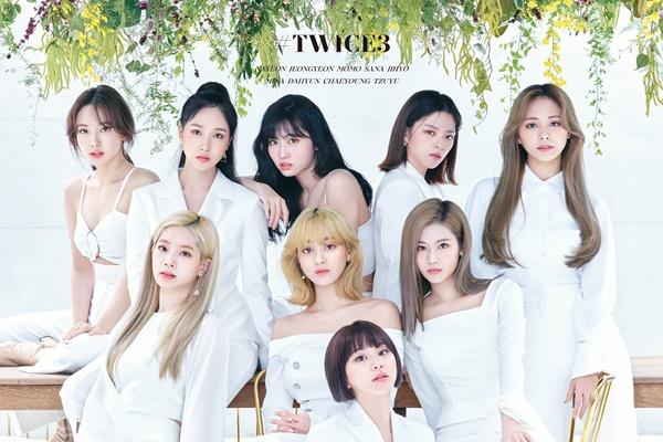 트와이스, 일본 오리콘 주간앨범 7번째 정상…해외 여성가수 최다