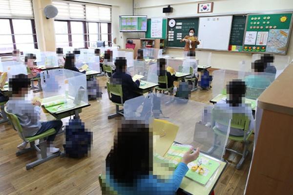 코로나에 전국 124개교 등교 못해…학생·교직원 추가확진 없어