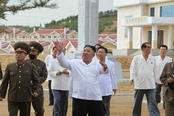 """북한 """"당 간부들도 세대교체 중…능력·수준 높여야"""""""