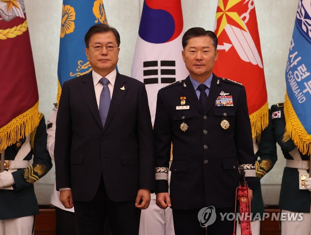 문대통령 국방력, 전쟁 회귀 막는 안전판 돼야