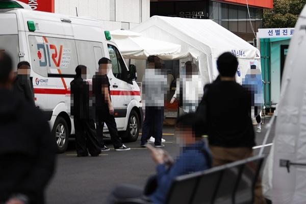 韩高龄新冠患者死亡人数剧增 中秋节连休为防疫关键期