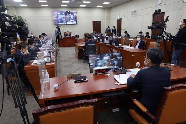 Parlamentarischer Verteidigungsausschuss verabschiedet Resolution zur Verurteilung Nordkoreas
