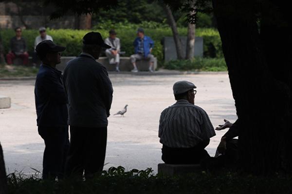고령자 '개인 위생' 시간 증가…2025년엔 초고령사회