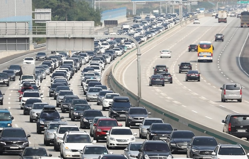 Chuseok Migration Causes Congestion on Nationwide Freeways