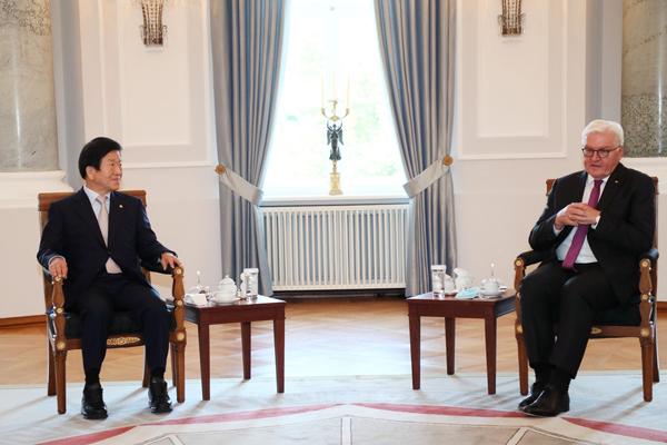 Park Byeong-seug : la Corée du Nord reste isolée par manque de désir pour la réunification