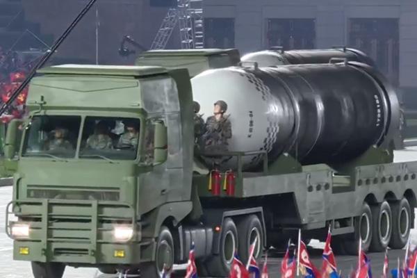 国防部 北韓の新型兵器の公開に「憂慮」表明