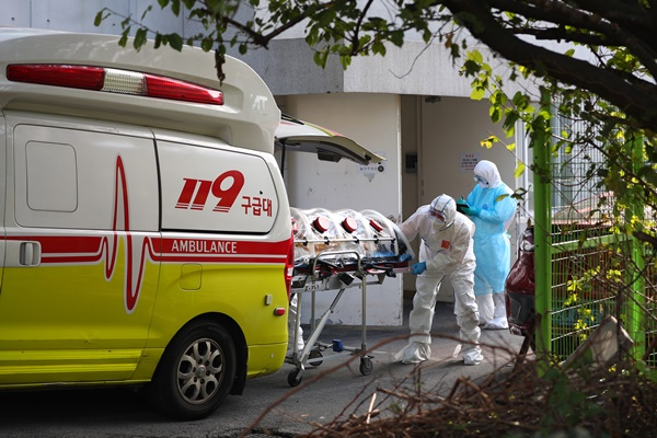 Daily COVID-19 Cases Rise to 110 due to Outbreak at Nursing Home in Busan