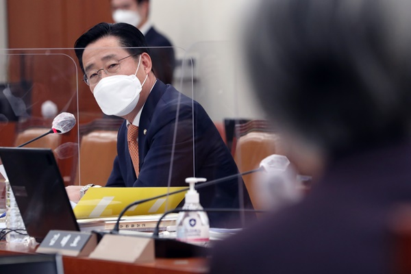 Parties Blast Foreign Ministry Response to Japan's Water Discharge Move
