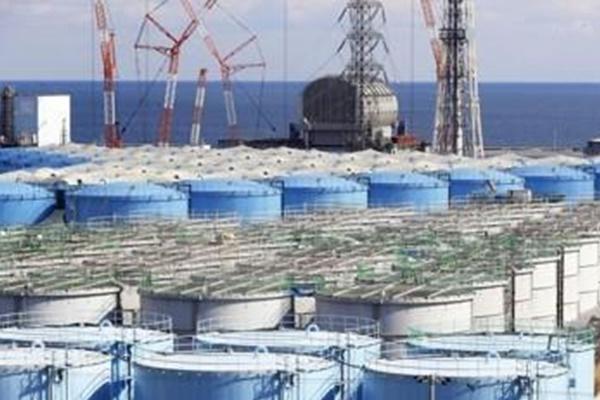 日本政府决定将福岛核电站污水排放到海中