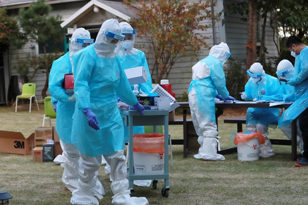 Hàn Quốc có số ca nhiễm COVID-19 mới ở ngưỡng hai con số 4 ngày liên tiếp