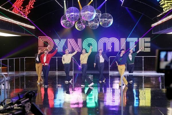 """Video Musik BTS """"Dynamite"""" Raih 500 Juta Penayangan di YouTube"""