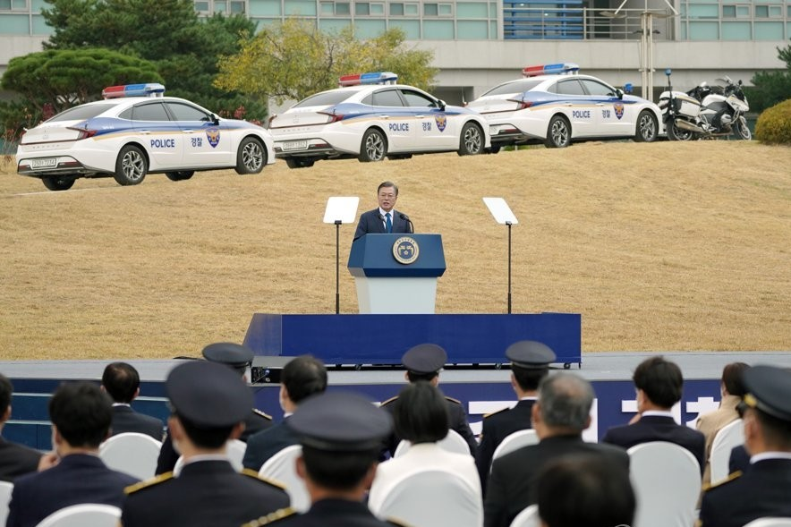 Moon Reconfirms Police Autonomy from Prosecution