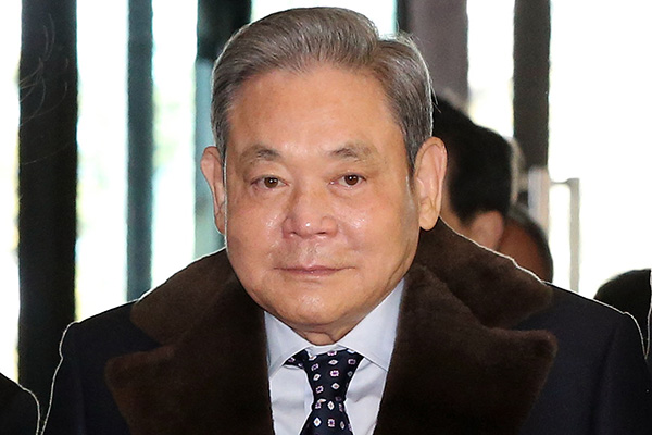 サムスン電子の李健煕会長が死去 享年78