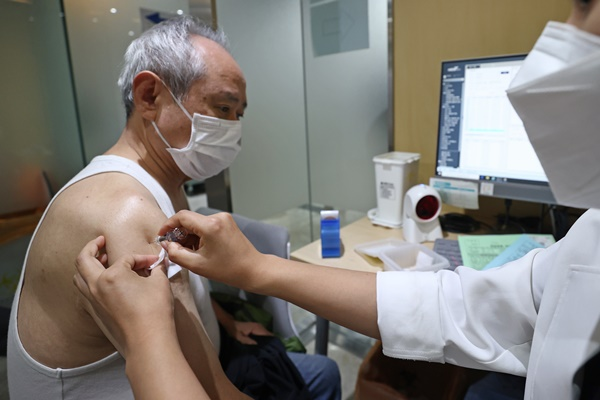 Gov't: Slim Chance of Direct Link Between Flu Shots, Deaths