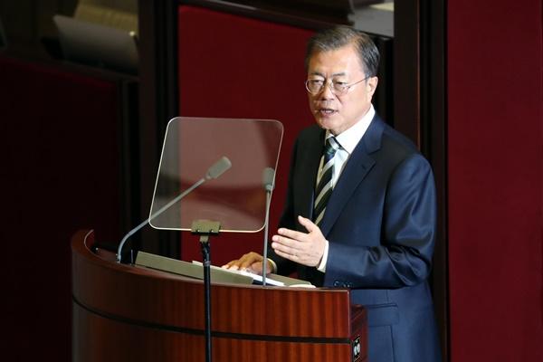 文大統領が国会演説「経済再生に向けた措置を本格化させる」