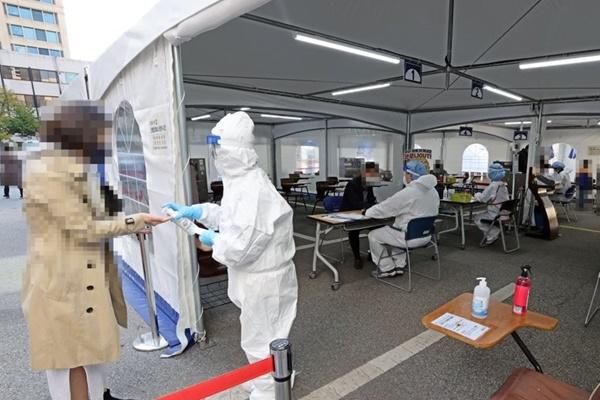 방문학습·사우나·재활병원 관련 산발적 감염…