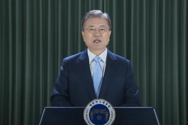 文大統領「韓半島の非核化と平和に向けた努力を決して止めない」