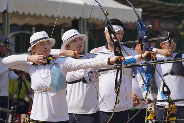 S. Korea Vies for Gold in Archery, Taekwondo, Fencing on Day 3