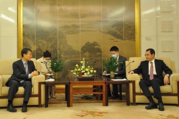 장하성 주중대사, 미 대선 후 중국 외교부 만나 '협력' 강조