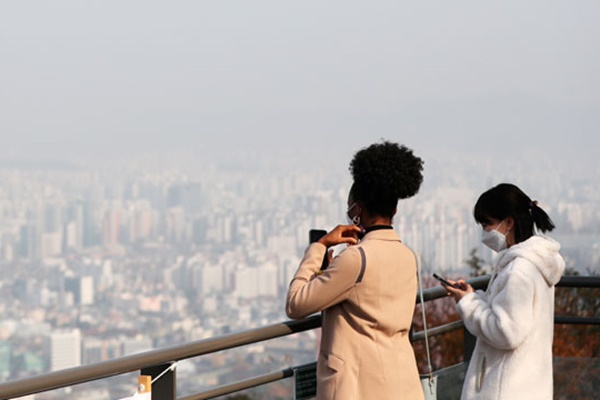 S. Korea, China Saw Decline in Ultra Fine Dust in 2020