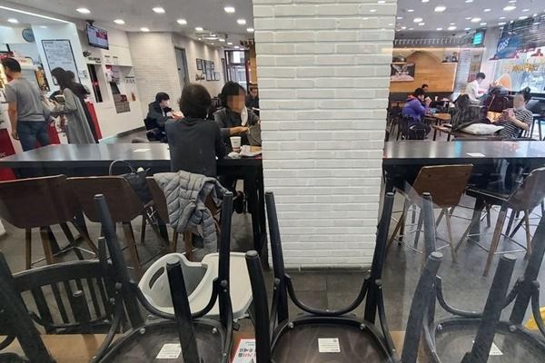 Restaurants und Cafés dürfen ab heute in Stufe-4-Gebieten nur bis 21 Uhr öffnen