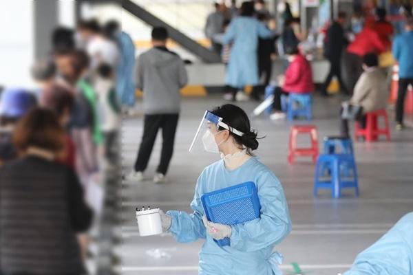 N2全球资讯-韩新冠新增病例连续两天超过300例