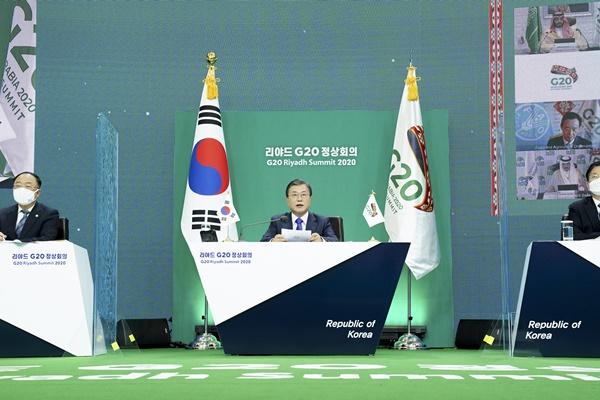 Президент РК подтвердил цель перейти к 2050 году к углеродной нейтральности