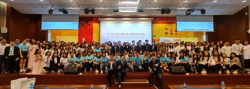 Samsung hỗ trợ 700.0000 USD trong vòng 5 năm tới để phát triển tiếng Hàn tại Việt Nam