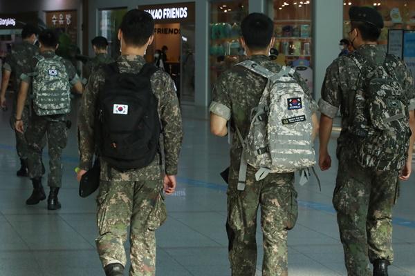 韩军队防疫级别上调至第2.5阶段 禁止官兵休假和外出