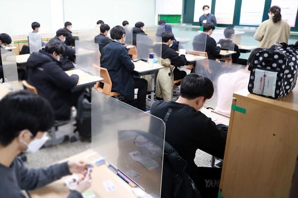 В РК проходит единый государственный экзамен