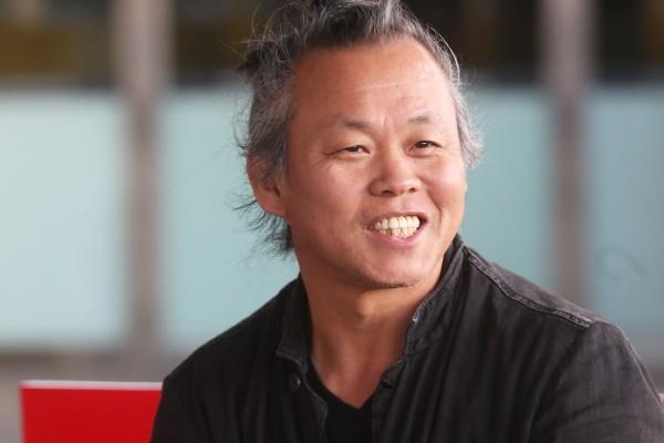 Кинорежиссёр Ким Ги Док умер от COVID-19 в Латвии