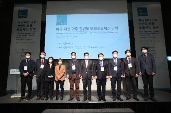 """""""바이든, 북한 인권문제 제기하며 대북제재 강화할 수도"""""""