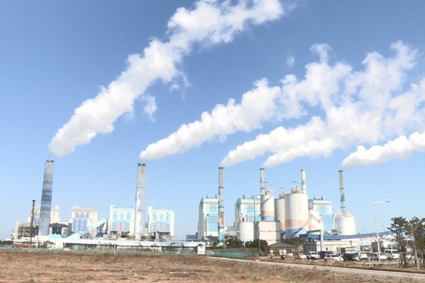 9차 전력계획 정부안 나왔다…탈석탄·탈원전 '쐐기'