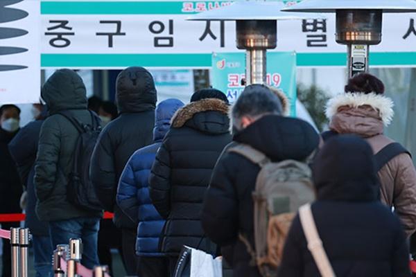 Тесты на COVID-19 сдадут все работники объектов повышенного риска в Сеуле