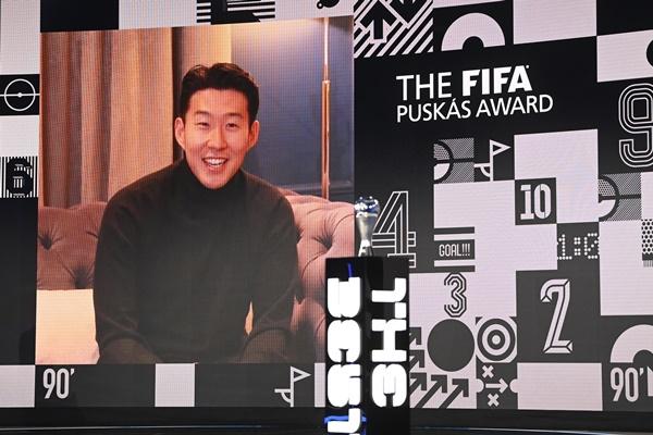 Pesepak Bola Korsel, Son Heung-min Raih Penghargaan Gol Terbaik FIFA 2020