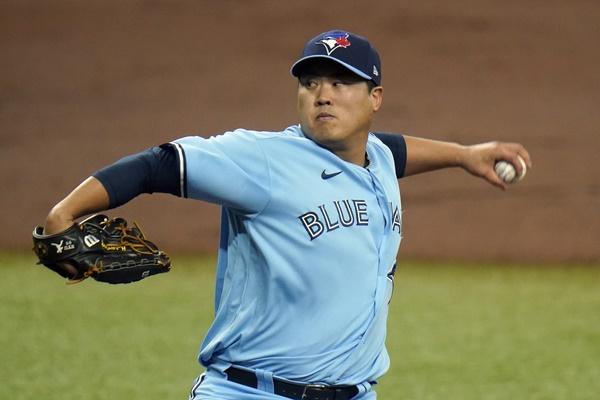 Blue Jays' Ryu Hyun-jin Wins Warren Spahn Award for Best Left-Handed Pitcher