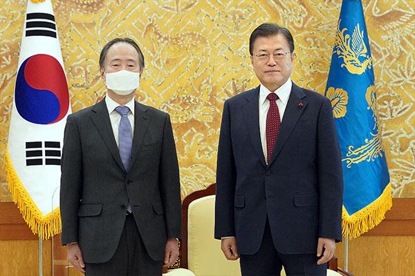 文在寅:须尽早恢复面向未来的韩日关系