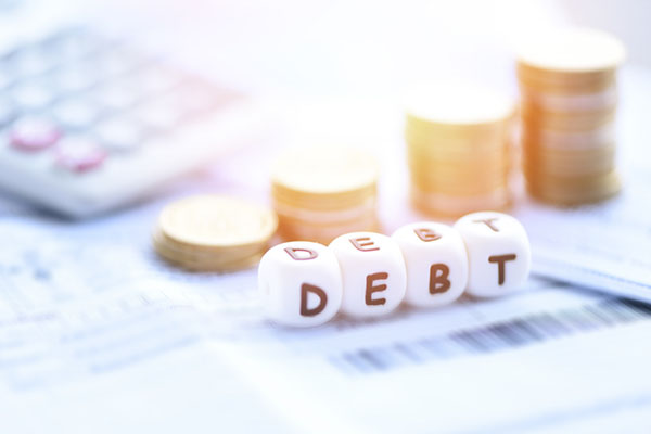 Triple bond de l'endettement des ménages, des entreprises et de l'Etat