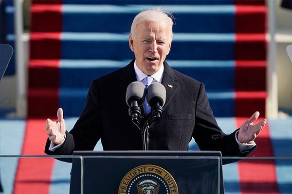 文大統領、バイデン大統領に祝電 首脳会談早期開催の意向示す