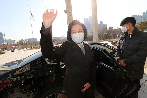 Park Young-sun officialise sa candidature à la mairie de Séoul