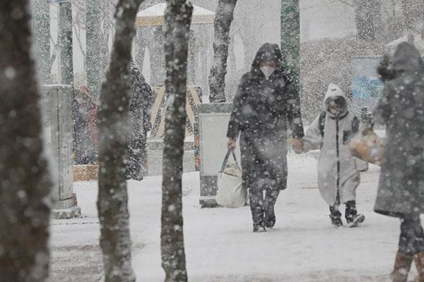 ソウル、午前に雪 午後からは寒波