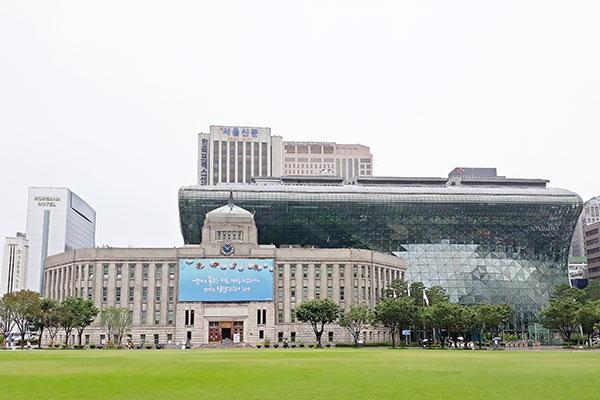 Thành phố Seoul khích lệ người nước ngoài xét nghiệm COVID-19