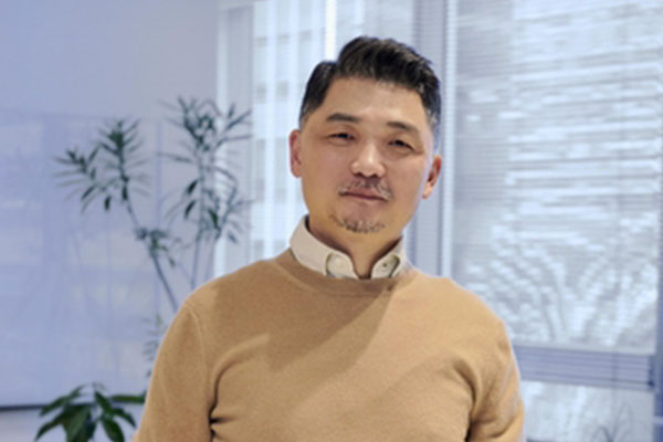 Kakao Founder Joins 'The Giving Pledge,' Vows to Donate Over Half of Wealth