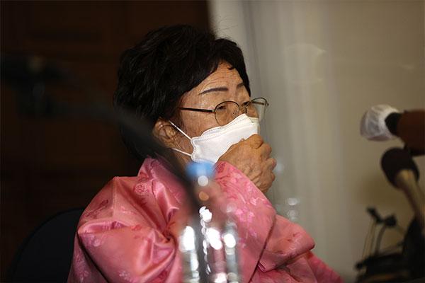 李龙秀提议将慰安妇问题提交国际法院 韩政府持谨慎态度