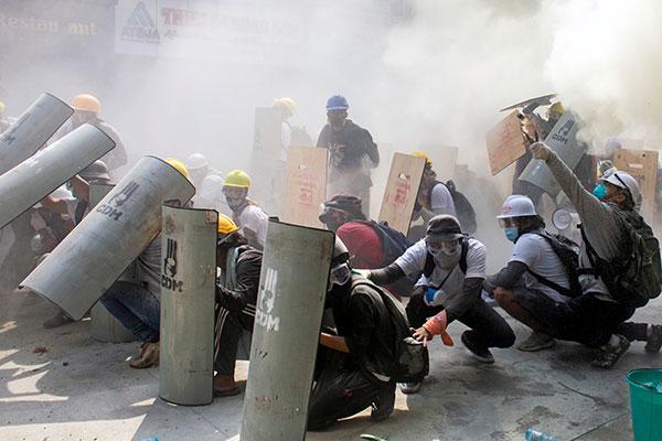 سيول تعرب عن قلقها من قتل المتظاهرين المدنيين في ميانمار