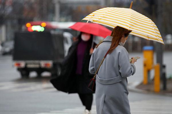 Precipitaciones seguirán el martes en Seúl y sus alrededores