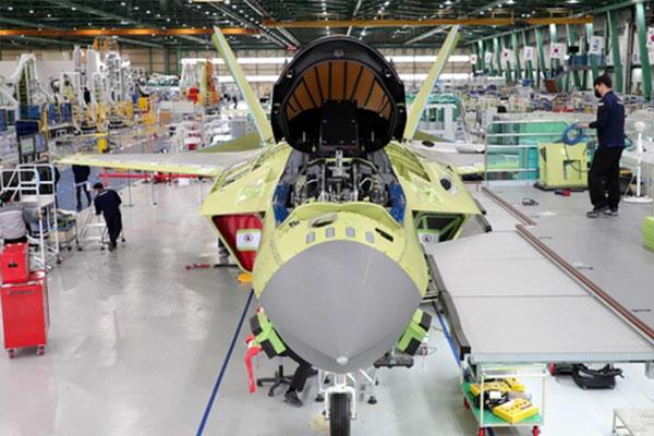 韩国型战斗机KF-X亮相