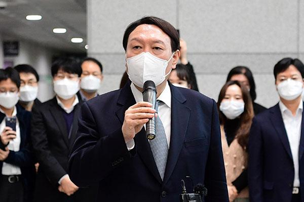 韩下任总统有力候选人支持率尹锡悦领先 达32.4%